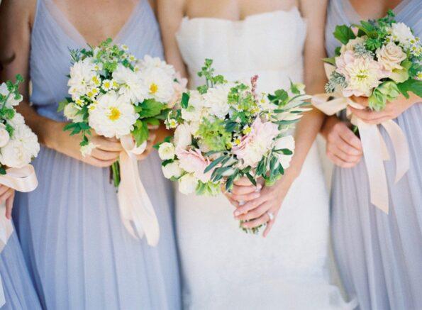 Весенний букет на свадьбу: что выбрать