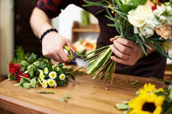 Продлеваем жизнь срезанным цветам: советы для того, чтобы букет цветов простоял подольше