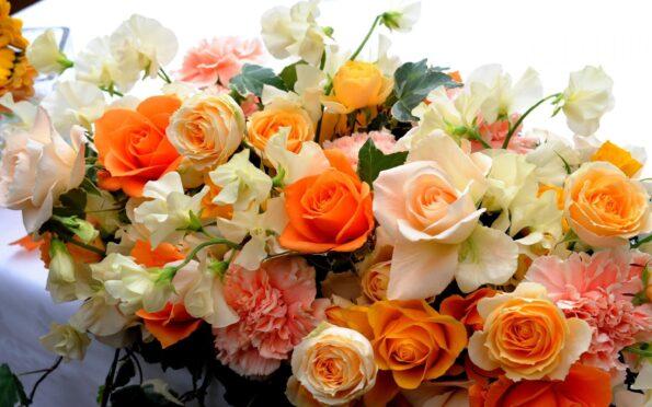 Как выбрать цветы на день рождения в сентябре