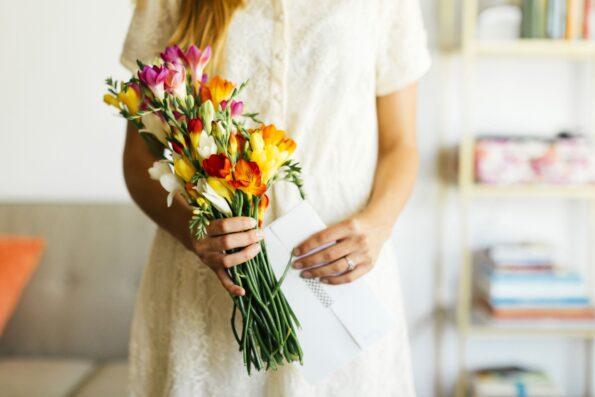 Прикольные цветочные суеверия со всего мира